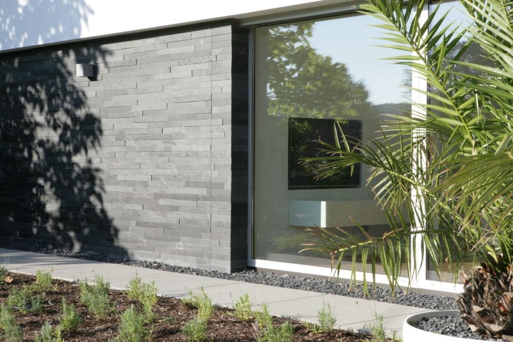 Aussengestaltung-Fassadendeckung-Seitenwand-galerie-schieferriemchen
